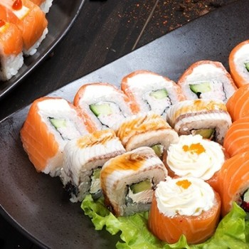 franchise-sushi-shop.jpg